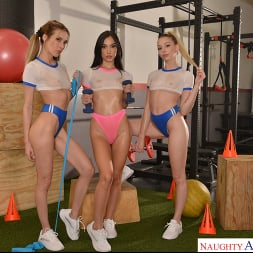 Aiden Ashley in 'VR Naughty America' Aiden Ashley, Jazmin Luv, and Lily Larimar surprise their personal trainer with their 3 wet pussies (Thumbnail 192)