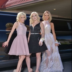 Allie Nicole in 'VR Naughty America' Allie Nicole, Emma Hix, and Kiara Cole fuck date before Prom (Thumbnail 88)