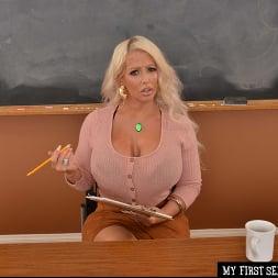 Alura Jenson in 'VR Naughty America' You get to fuck Ms. Alura Jenson  (Thumbnail 1)