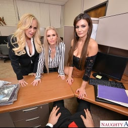 Becky Bandini in 'VR Naughty America' Becky Bandini, Brandi Love, and Casca Akashova have their way with their hung co-worker (Thumbnail 26)