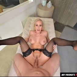 Brandi Love in 'VR Naughty America' fucks you while she washes your clothes (Thumbnail 150)