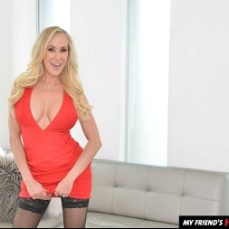 Brandi Love in 'VR Naughty America' fucks you while she washes your clothes (Thumbnail 165)