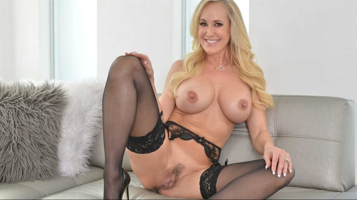 Brandi Love in 'fucks you while she washes your clothes'
