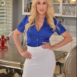 Brandi Love in 'VR Naughty America' wants you to use your big thick tool on her MILF pussy!! (Thumbnail 1)