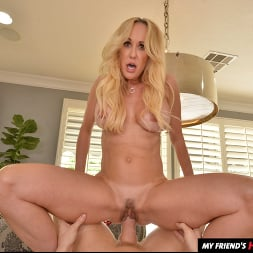 Brandi Love in 'VR Naughty America' wants you to use your big thick tool on her MILF pussy!! (Thumbnail 72)