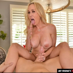 Brandi Love in 'VR Naughty America' wants you to use your big thick tool on her MILF pussy!! (Thumbnail 108)