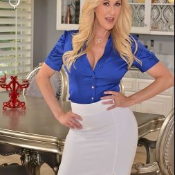 Brandi Love in 'VR Naughty America' wants you to use your big thick tool on her MILF pussy!! (Thumbnail 156)