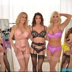 Brandi Love in 'VR Naughty America' Brittany Andrews shows her friends, Brandi Love and Silvia Saige, just how fun a dressing room can be (Thumbnail 299)