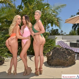 Brandi Love in 'VR Naughty America' Three hotties bang their friend's son (Thumbnail 16)