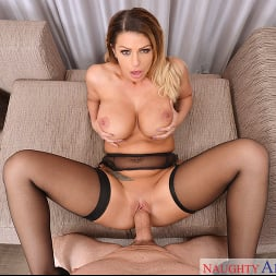 Brooklyn Chase in 'VR Naughty America' Porn Star Experience (Thumbnail 3)