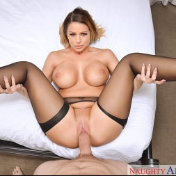 Brooklyn Chase in 'VR Naughty America' Porn Star Experience (Thumbnail 5)
