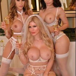 Casca Akashova in 'VR Naughty America' The bride, Casca Akashova, and her bridesmaids, Crystal Rush and McKenzie Lee, have one last hurrah together before the ceremony (Thumbnail 224)