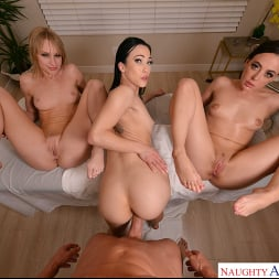 Daisy Stone in 'VR Naughty America' Lucky guy orders himself the super deluxe massage package where all holes are open for his pleasure  (Thumbnail 91)