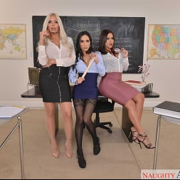 Diamond Kitty in 'VR Naughty America' Detention time with Diamond Kitty, Nina Elle, and Tia Cyrus (Thumbnail 1)