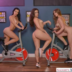 Diana Grace in 'VR Naughty America' All that ASS with Diana Grace, Kenzie Madison, and Kimber Woods (Thumbnail 72)