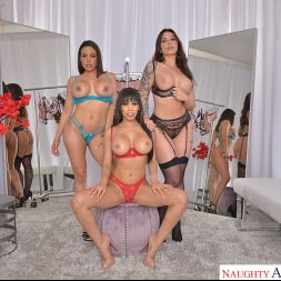 Gia Milana in 'VR Naughty America' Dressing room foursome with Gia Milana, Ivy LeBelle, and Luna Star (Thumbnail 108)