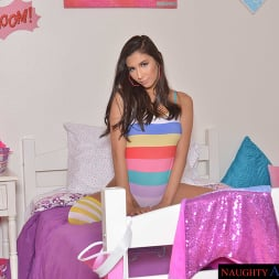 Gianna Dior in 'VR Naughty America' Brooklyn Gray, Gianna Dior, and Liv Wild have some dorm room fun (Thumbnail 1)