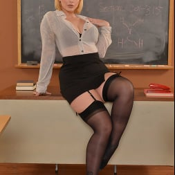 Ivy LeBelle in 'VR Naughty America' Busty professor Ivy LeBelle demonstrates her sex education to you!!! (Thumbnail 1)