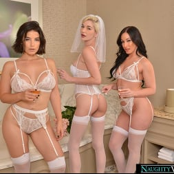 Jennifer White in 'VR Naughty America' Bride and her bridesmaids share a stranger's cock one last time (Thumbnail 154)
