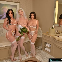 Jennifer White in 'VR Naughty America' Bride and her bridesmaids share a stranger's cock one last time (Thumbnail 209)