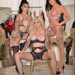 Karma Rx in 'VR Naughty America' Lucky guy can't resist cheating on his girlfriend when he helps Gianna Grey, Karma Rx, and Payton Preslee pick out lingerie (Thumbnail 238)