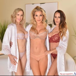 Kayla Paige in 'VR Naughty America' Masseuse MILFs Kayla Paige, Lilly James, and McKenzie Lee, take extra special care of YOU on your lunch break (Thumbnail 1)