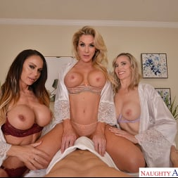 Kayla Paige in 'VR Naughty America' Masseuse MILFs Kayla Paige, Lilly James, and McKenzie Lee, take extra special care of YOU on your lunch break (Thumbnail 16)
