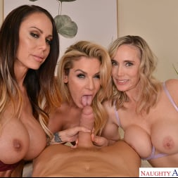 Kayla Paige in 'VR Naughty America' Masseuse MILFs Kayla Paige, Lilly James, and McKenzie Lee, take extra special care of YOU on your lunch break (Thumbnail 48)