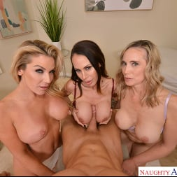 Kayla Paige in 'VR Naughty America' Masseuse MILFs Kayla Paige, Lilly James, and McKenzie Lee, take extra special care of YOU on your lunch break (Thumbnail 160)