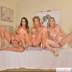 Kayla Paige in 'VR Naughty America' Masseuse MILFs Kayla Paige, Lilly James, and McKenzie Lee, take extra special care of YOU on your lunch break (Thumbnail 224)