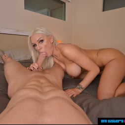 Kenzie Taylor in 'VR Naughty America' changes clothes and fucks you  (Thumbnail 33)