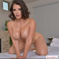 LaSirena69 in 'VR Naughty America' is ready for your hard cock! (Thumbnail 108)