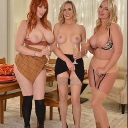 Lauren Phillips in 'VR Naughty America' Close friends, Lauren Phillips, Lilly James, and Rachael Cavalli have their share of 'stuffing' for Thanksgiving (Thumbnail 208)
