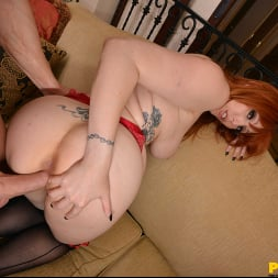 Lauren Phillips in 'VR Naughty America' will fuck you till you Cum!! (Thumbnail 72)