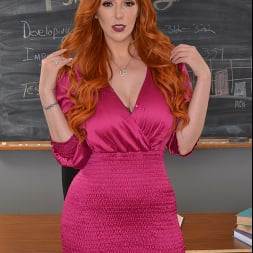 Lauren Phillips in 'VR Naughty America' You need an 'A' in Ms. Lauren Phillips' class and she wants your big cock in her pussy as a trade!! (Thumbnail 1)