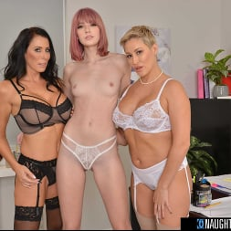 Lena Anderson in 'VR Naughty America' Interns fuck their bosses in this naughty office (Thumbnail 52)