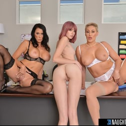 Lena Anderson in 'VR Naughty America' Interns fuck their bosses in this naughty office (Thumbnail 104)