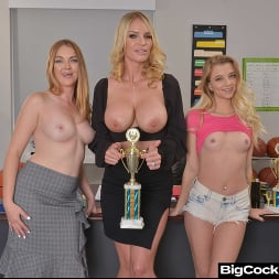 Marie McCray in 'VR Naughty America' Marie McCray, Rachael Cavalli, and Riley Star deal with a Bully Coach (Thumbnail 24)