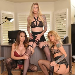 McKenzie Lee in 'VR Naughty America' Brooke Banner, McKenzie Lee, and Sarah Jessie are in search of an office assistant to fulfill their needs (Thumbnail 247)