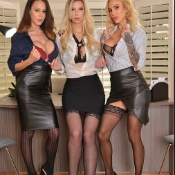 McKenzie Lee in 'VR Naughty America' Brooke Banner, McKenzie Lee, and Sarah Jessie are in search of an office assistant to fulfill their needs (Thumbnail 266)