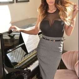 McKenzie Lee in 'VR Naughty America' likes to fuck her son's friend on the piano (Thumbnail 1)
