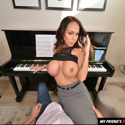 McKenzie Lee in 'VR Naughty America' likes to fuck her son's friend on the piano (Thumbnail 14)