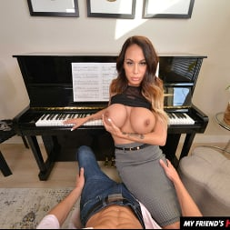 McKenzie Lee in 'VR Naughty America' likes to fuck her son's friend on the piano (Thumbnail 28)