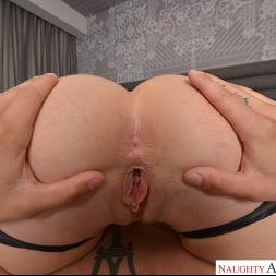 Natalia Starr in 'VR Naughty America' fucks you like a true Porn Star (Thumbnail 182)