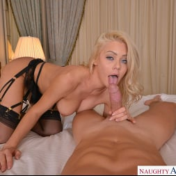 Riley Steele in 'VR Naughty America' Gives you the real Porn Star Edition (Thumbnail 224)