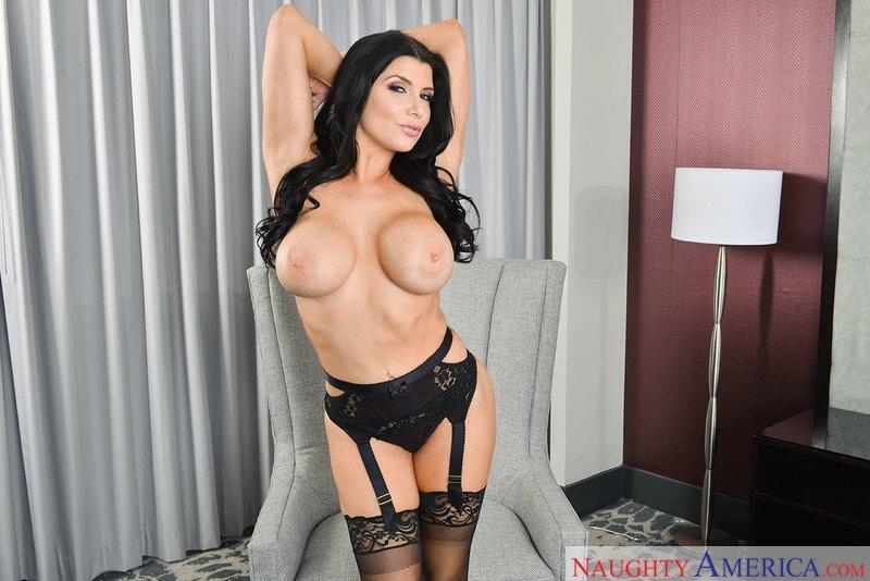 VR Naughty America 'Porn Star Experience' starring Romi Rain (Photo 2)