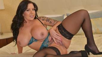 Sheridan Love in 'Now it's Sheridan Love's turn to ride your cock!'